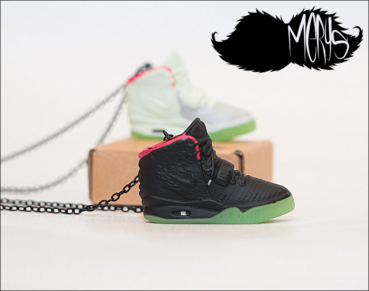Merys (メリーズ)  Sneaker Necklace Air Yeezy 2