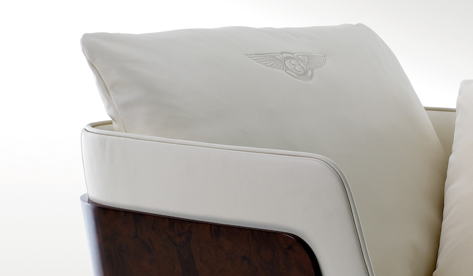 bentley_home_richmond_armchair_02