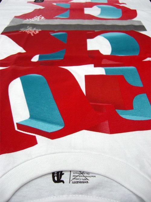 First Staff Blog-DISSIZIT Tシャツ