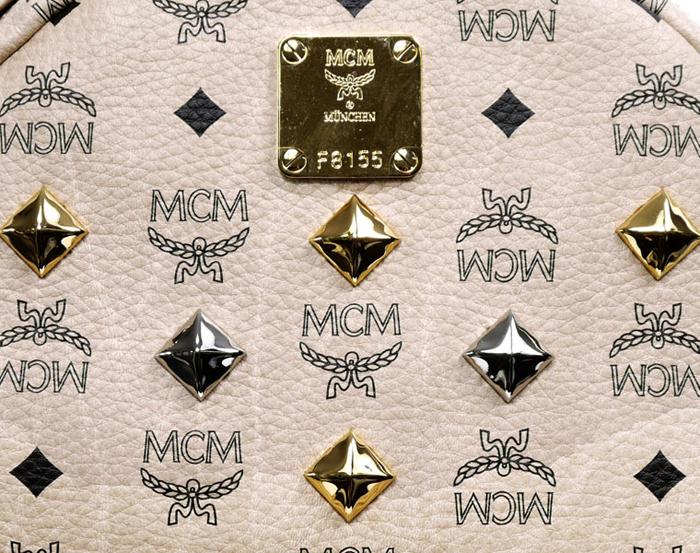 ☆ First Staff Blog ☆-MCMスタッズリュック