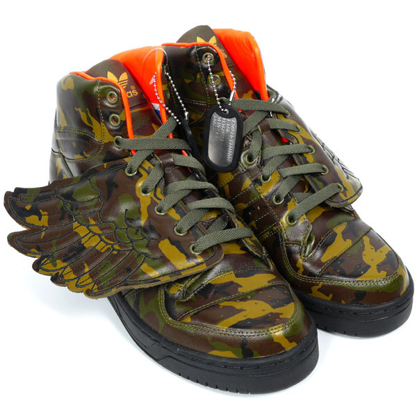 ☆ First Staff Blog ☆-ADIDAS originals×Jeremy Scott JS WINGS